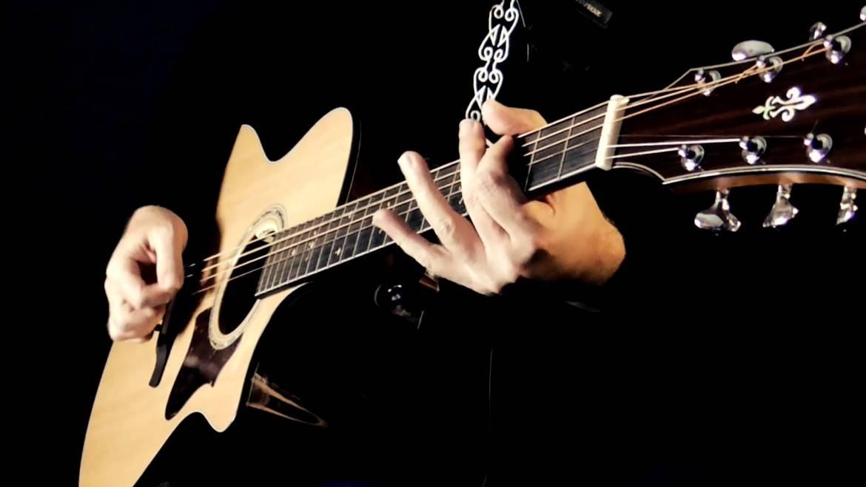 Gia sư guitar đệm hát nâng cao – Bí quyết để đệm đàn guitar ngẫu hứng