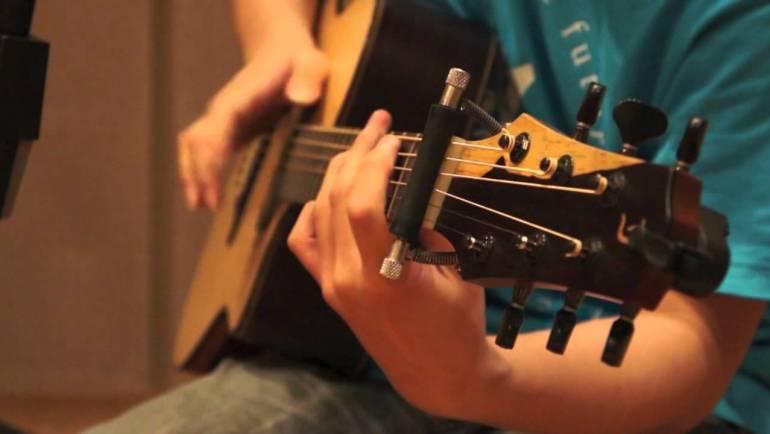 Học fingerstyle guitar – giáo trình cách sử dụng turning guitar fingerstyle