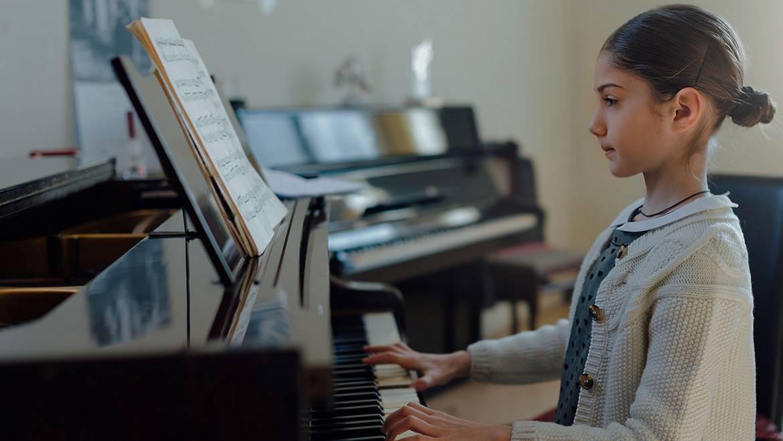 Dạy đàn piano Đồng Xoài – Khóa học đàn piano đệm hát, độc tấu